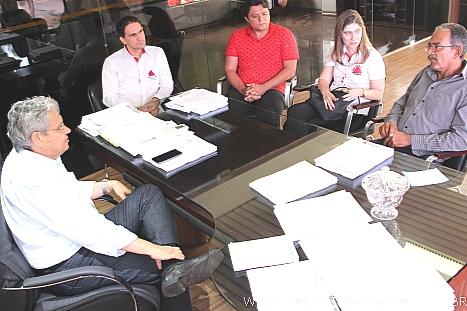 Prefeitura de Unaí - PMU busca no Governo de Minas projeto de um ... 3fb6b9125261c